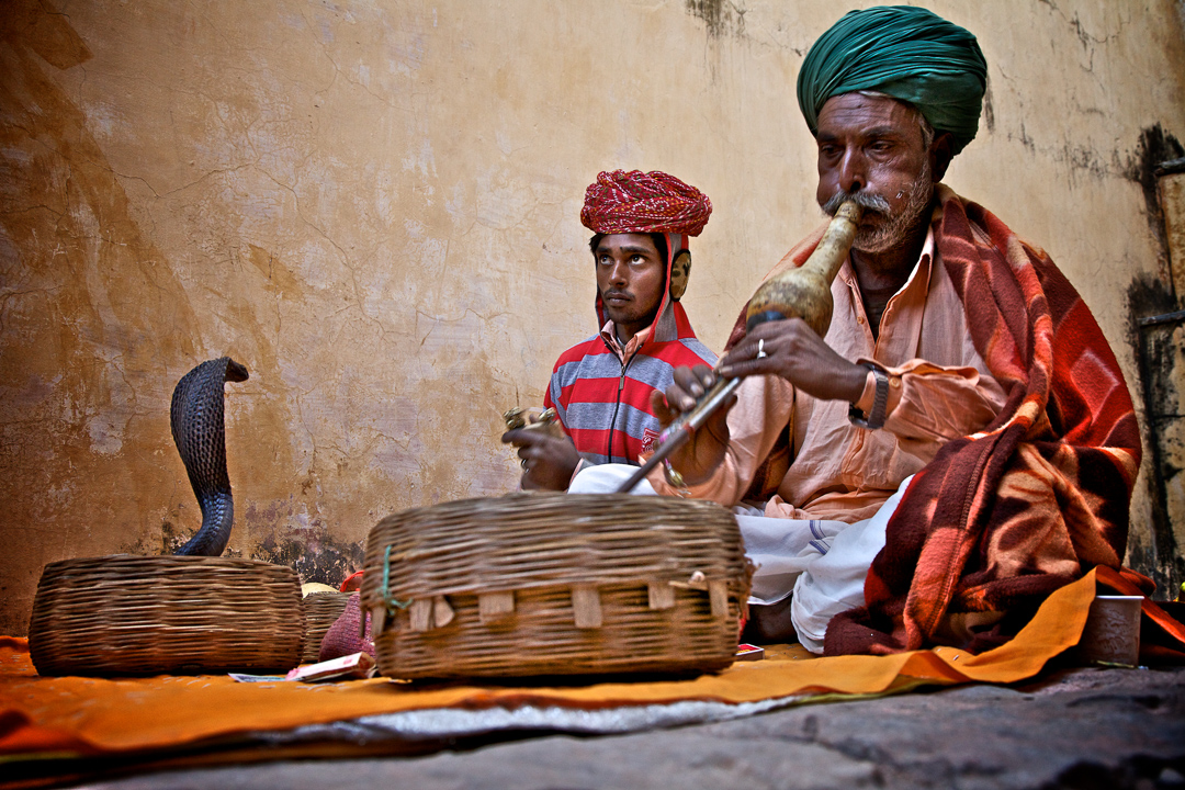 Snake Charmers in Jaipur, India - Travel photography by Lorenz Berna