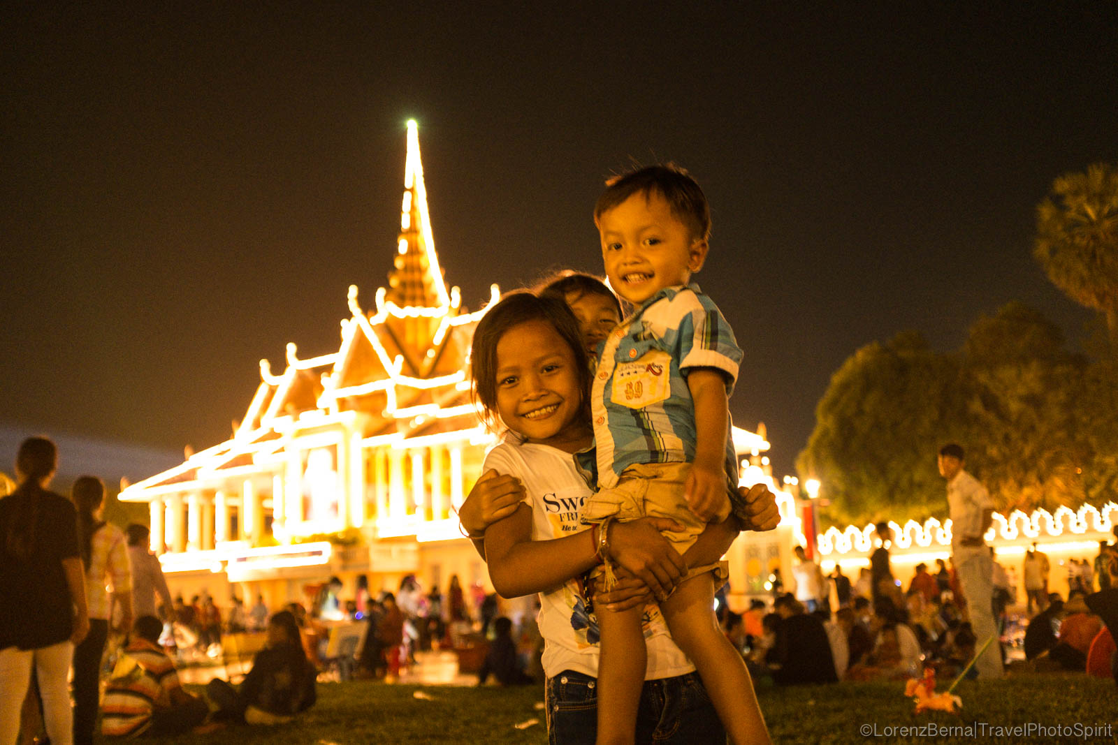 Cambodian children in front of Phnom Penh Royal Palace, Cambodia