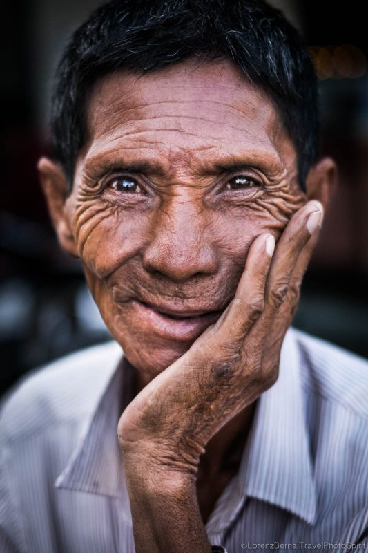 Old man portrait in Phnom Penh - A Lorenz Berna Travel Photography of Cambodia