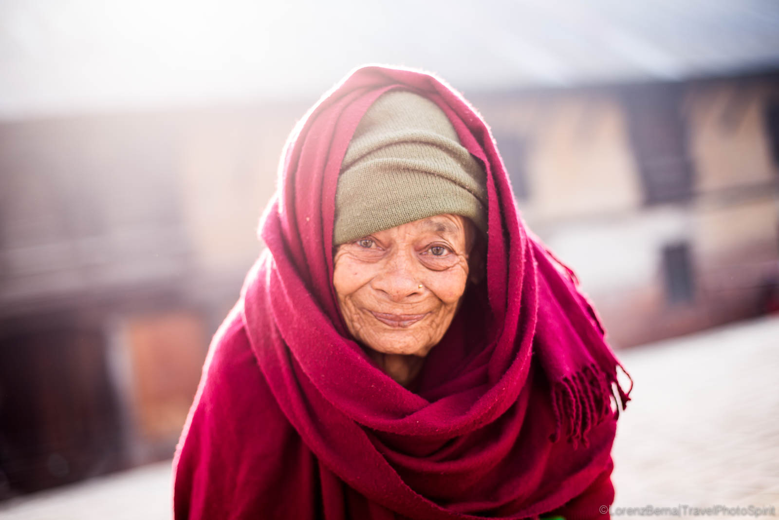 Portrait of an old lady living in the Pashupatinath Retirement Centre in Kathmandhu - A Lorenz Berna Travel Photography of Nepal