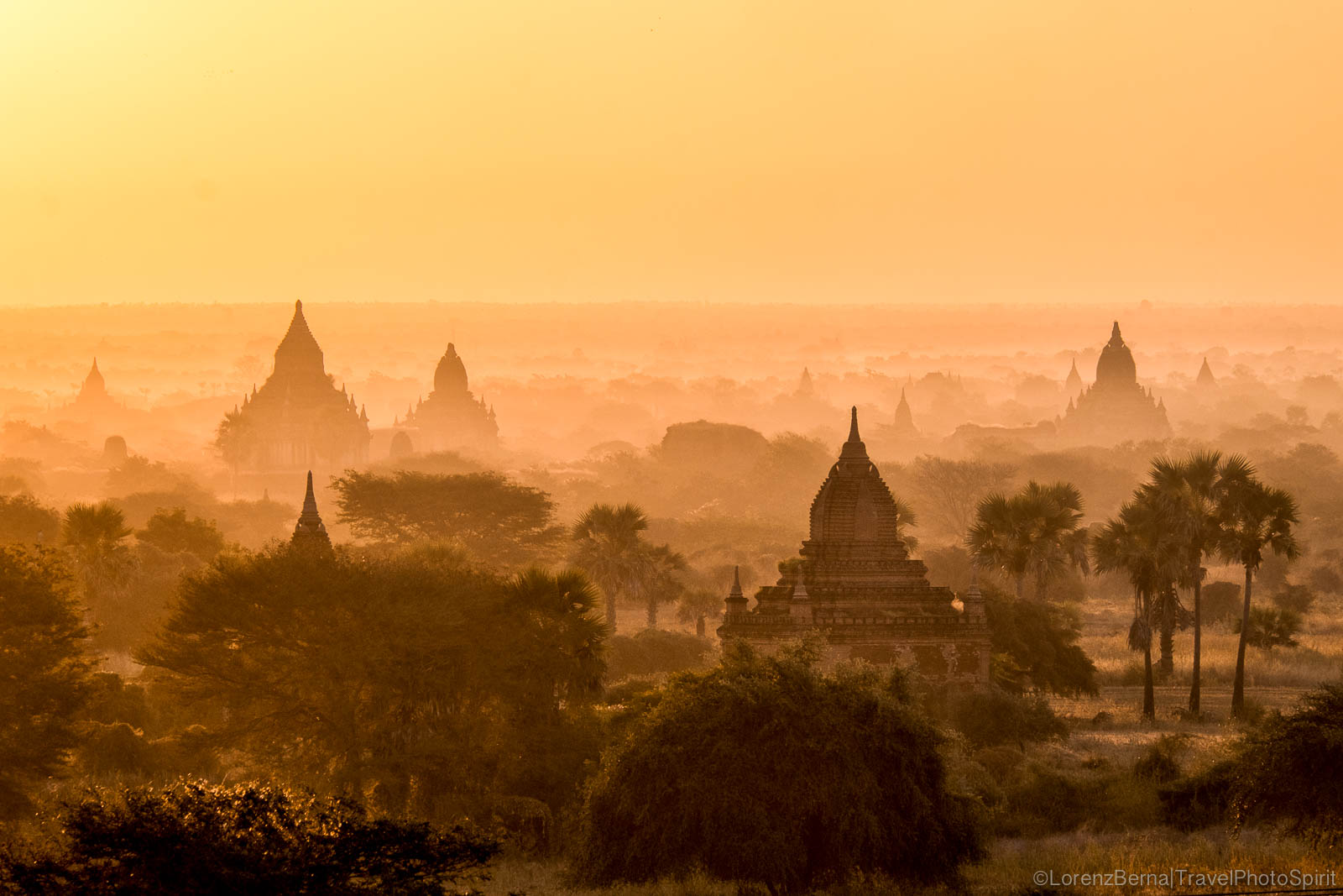 The Bagan valley at dawn, Myanmar