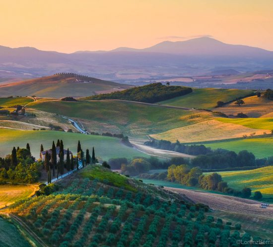 Sunrise in Val d'Orcia, a Travel Photography of Italy by Lorenz Berna