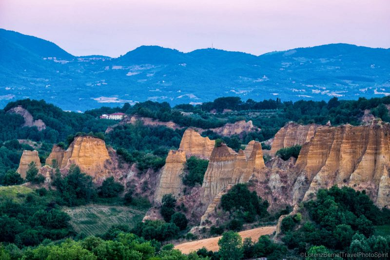 Le Balze del Valdarno, a geological singularity of Tuscany, Italy